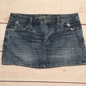 American Eagle Distressed Jean Skirt Size 6
